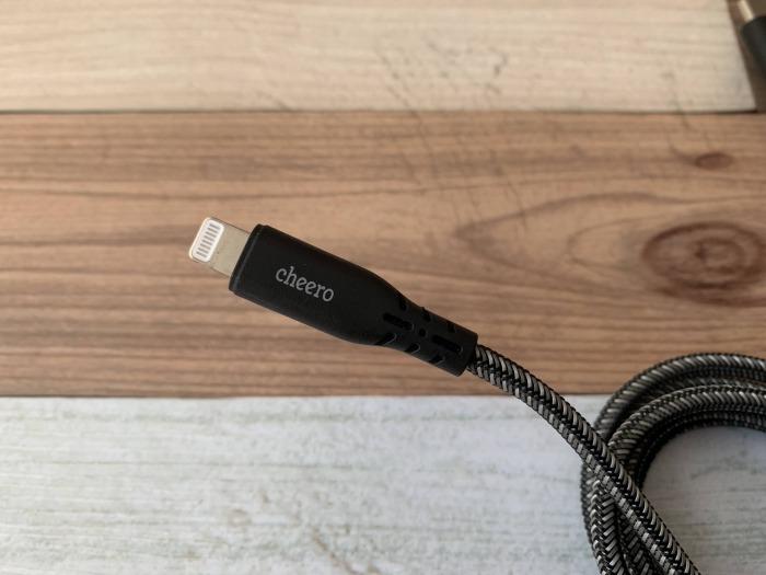 cheero Type-C to Lightning Cable 1m レビュー